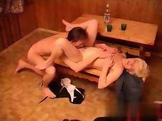Tini fiú popsi szex